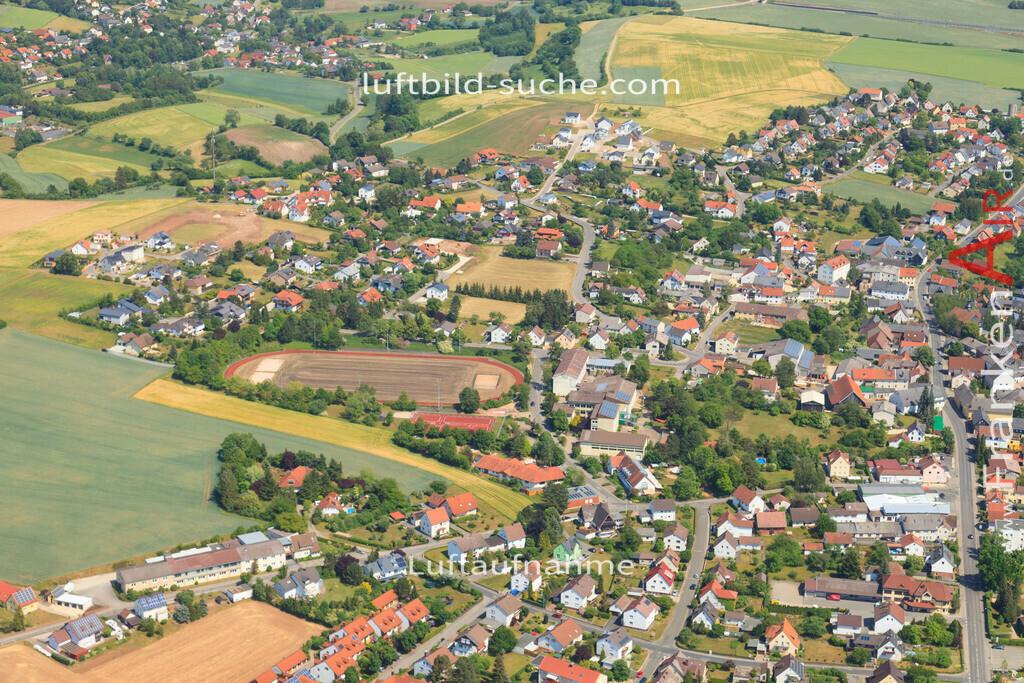 luftbild-untersiemau-2015-4776 | Luftbild von  Untersiemau - Luftaufnahme wurde 2015 von https://frankenair.de mittels Flugzeug (keine Drohne) erstellt - die Geschenkidee