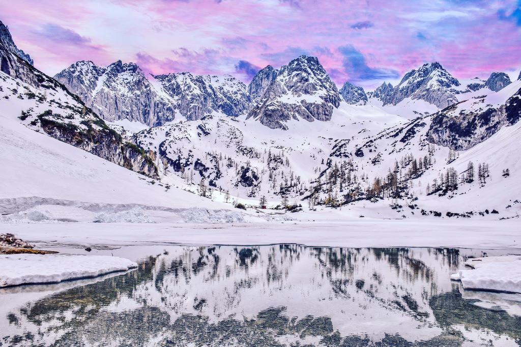 Seebensee | Atemberaubender Blick auf den verschneiten Seebensee