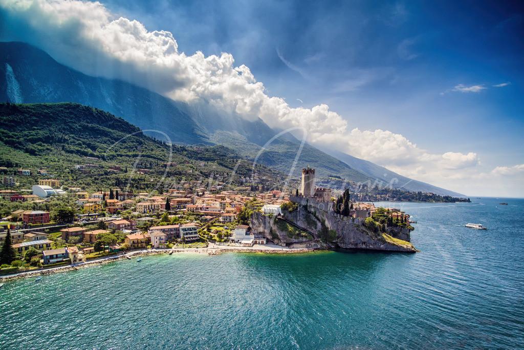 Malcesine | Der malerische Ort Malcesine mit seiner Burg am Gardasee