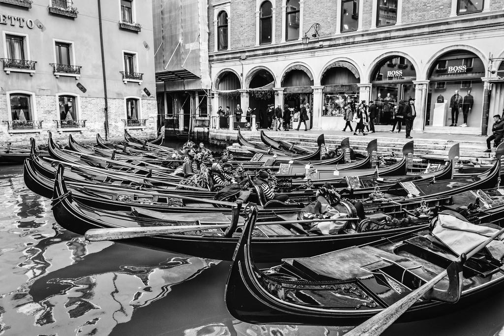 Venice-bnw-1