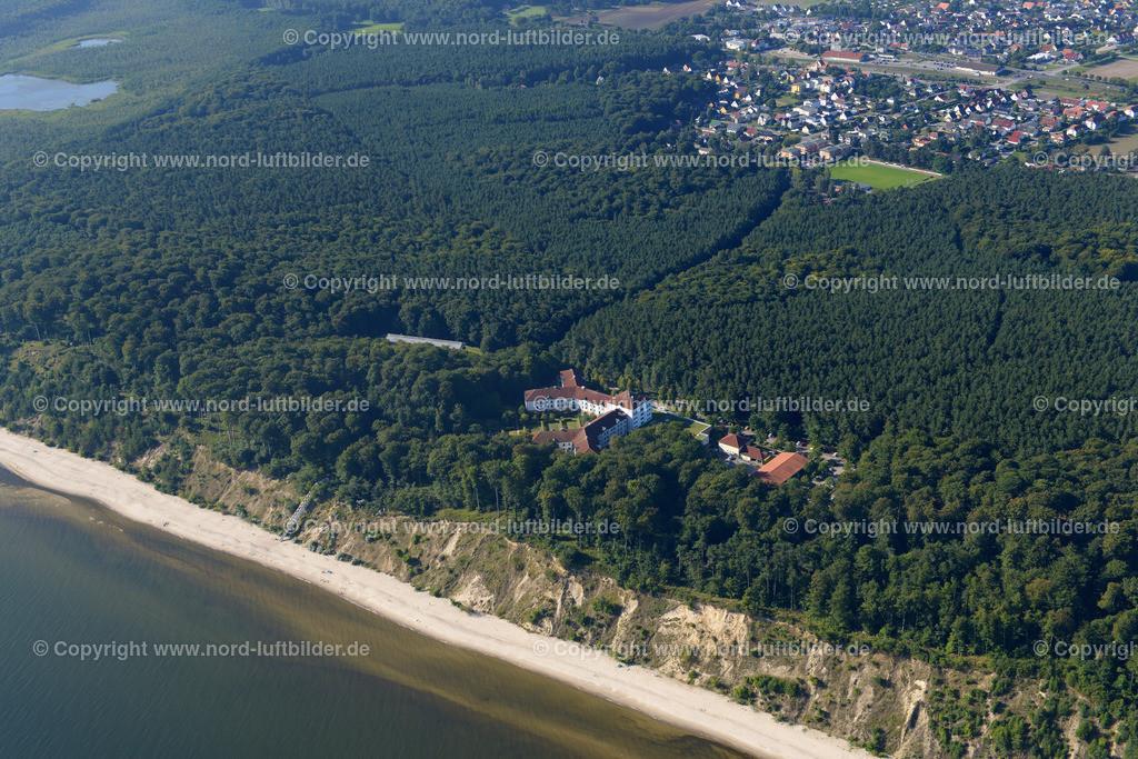 Ückeritz Usedom_ELS_1953250816 | Ückeritz Usedom - Aufnahmedatum: 25.08.2016, Aufnahmehöhe: 426 m, Koordinaten: N54°01.789' - E14°03.512', Bildgröße: 6971 x  4652 Pixel - Copyright 2016 by Martin Elsen, Kontakt: Tel.: +49 157 74581206, E-Mail: info@schoenes-foto.de  Schlagwörter:Mecklenburg-Vorpommern, Ostsee, Usedom, Insel, Luftbild, Luftbilder, Küste, Martin Elsen,