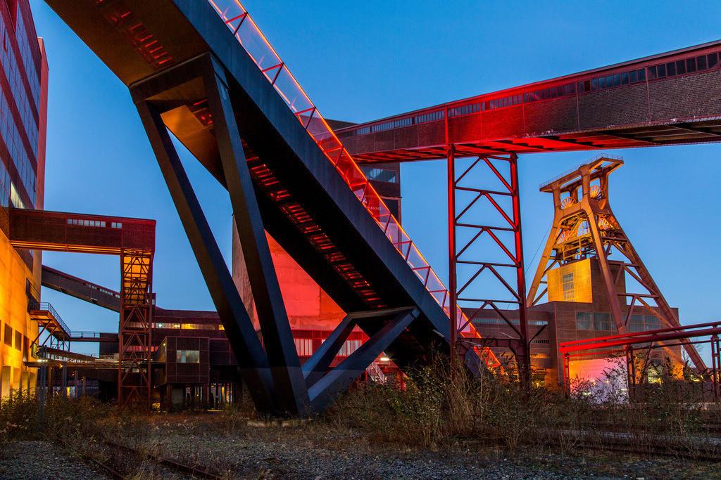 JT-160108-003 | Zeche Zollverein, UNESCO Welterbe, Essen, NRW, Deutschland, Fördergerüst Schacht 12 Bandbrücken und Rolltreppe zum Ruhrmuseum in der Kohlenwäsche,