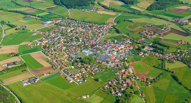 luftbild-teisendorf-bruno-kapeller-12 | Luftaufnahme von Teisendorf im Fruehling 2019