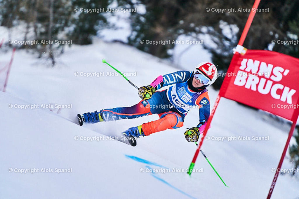 ALS5939_WWMG_GS-II_C   (C) FotoLois.com, Alois Spandl, WinterWorldMastersGames 2020 Innsbruck, Giant Slalom-II Gruppe C Damen, Patscherkofel Olympiaabfahrt, Mi 15. Jänner 2020.
