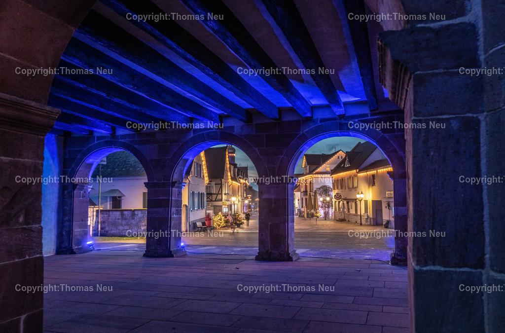 DSC_3883   ble,Lorsch, blaues Weihnachtswunder, Innenstadt, ,, Bild: Thomas Neu