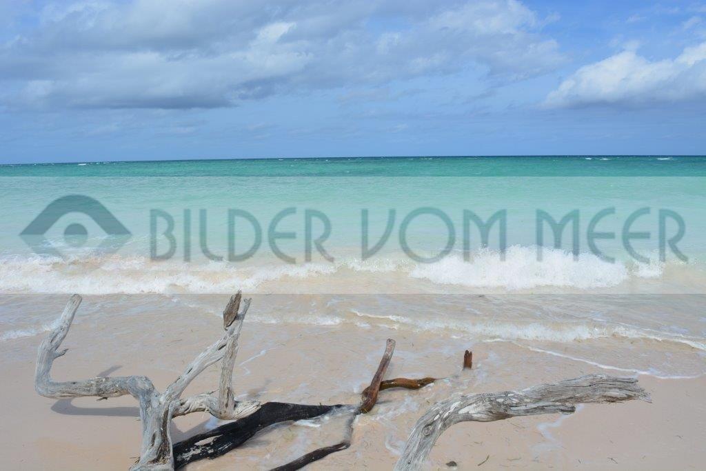 Wolken ziehen über die kubanische Küste | Bilder vom Meer aus der Karibik