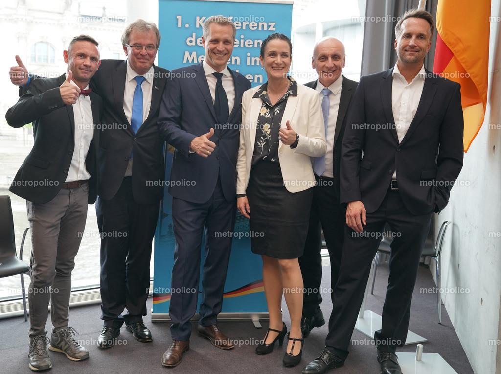 Konferenz der freien Medien im Bundestag von links nach rechts David Berger Udo Hemmelgarn Petr Bystron Nicole Höchst Uwe Schulz Ralf Höcker (8)