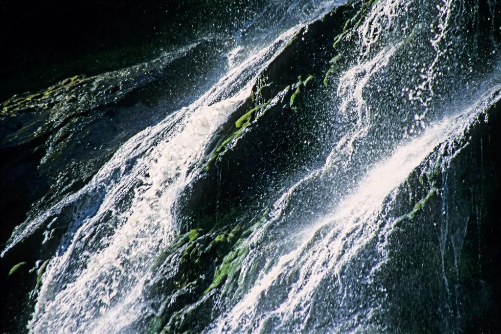 Erfolg 01   Wasserfall Powerscourt Waterfall, Wicklow, Irland