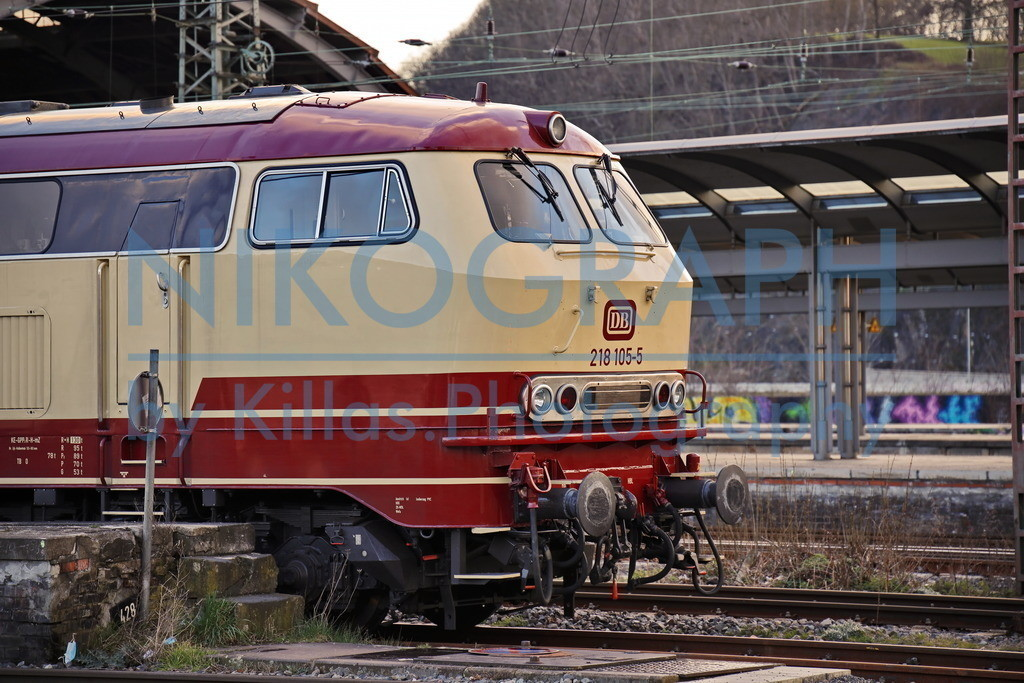 BR 218 105 - 5 mit TEE Lackierung | Die BR 218 105 - 5 mit der außergewöhnlichen rot/beige