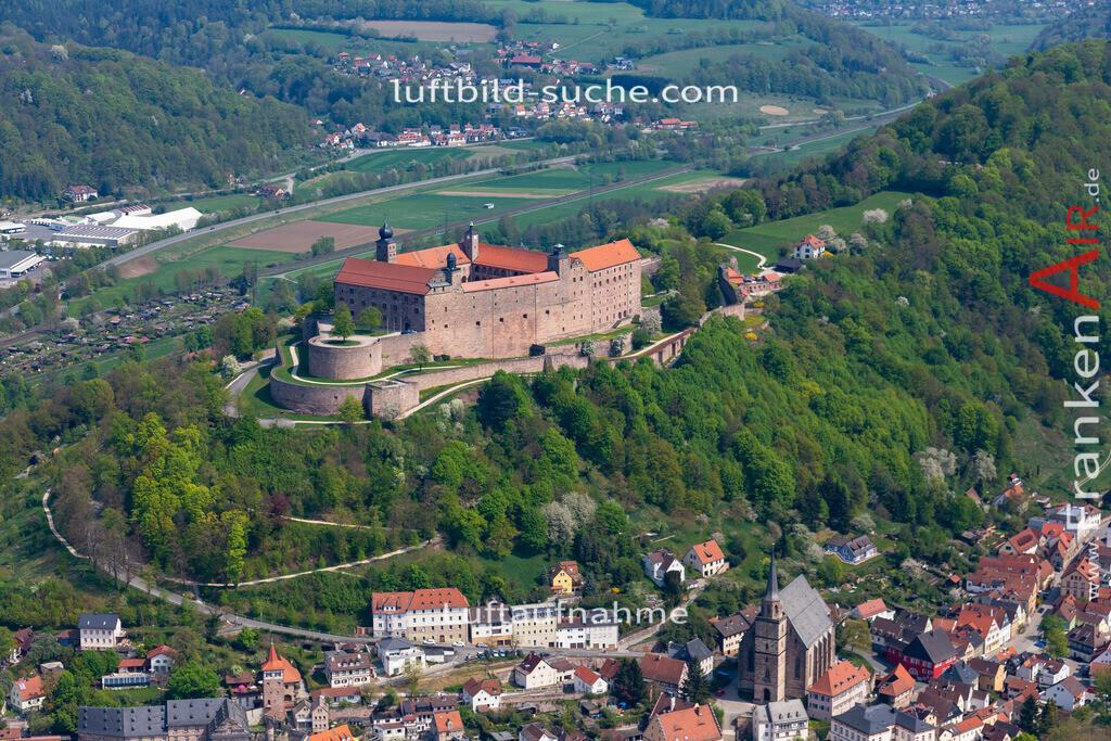 plassenburg-kulmbach-18-242 | aktuelles Luftbild von Plassenburg Kulmbach - Luftaufnahme wurde 2018 von https://frankenair.de mittels Flugzeug (keine Drohne) erstellt.