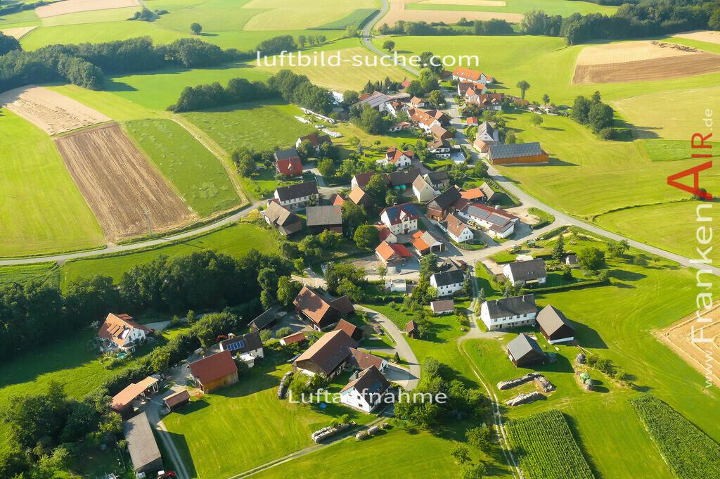 felkendorf-thurnau-2007-17   Luftbild von Felkendorf Thurnau - Luftaufnahme wurde 2007 von https://frankenair.de mittels Flugzeug (keine Drohne) erstellt - die Geschenkidee