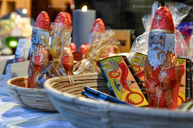 20181211_0271_WEIH   FT, Weihnachtsmarkt, Weltladen, Zotter Schokolade mit Frankenthaler Motiv