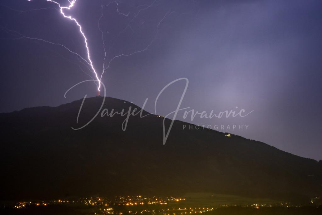 Blitzeinschlag | Blitzschlag in den Sendemasten am Patscherkofel