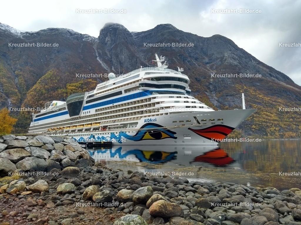 AIDAsol in Eidfjord II | AIDAsol in Eidfjord