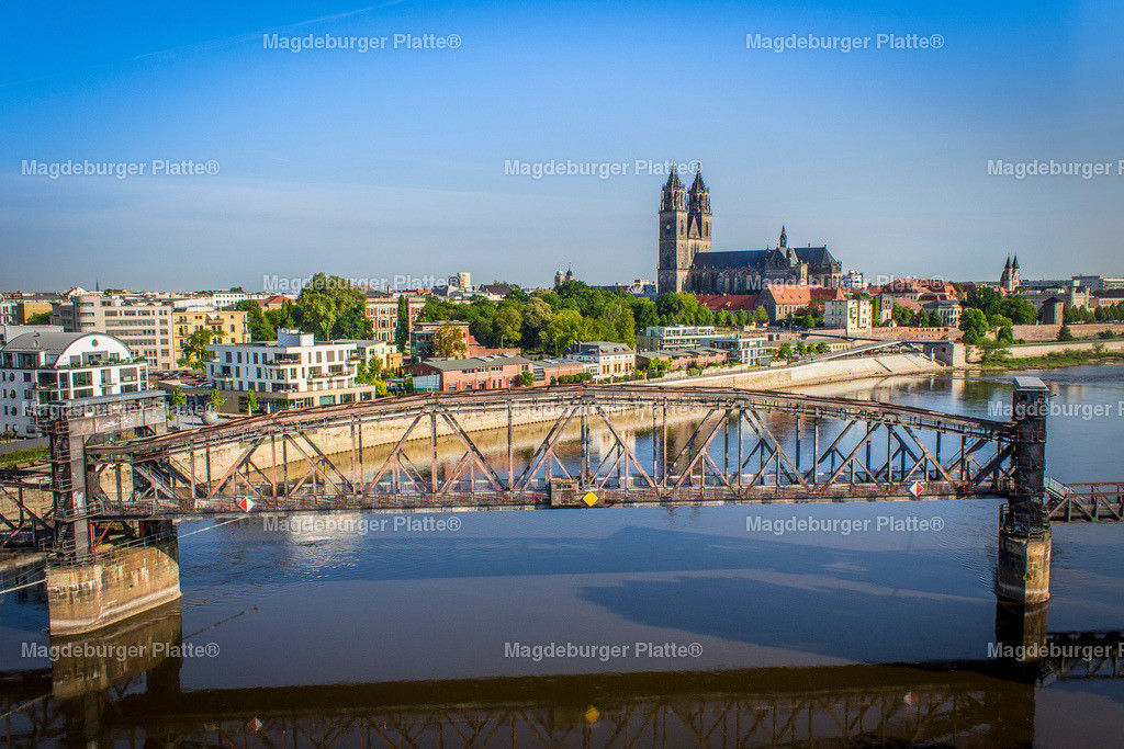 Luftbild Magdeburg Hubbrücke Sternbrücke Strombrücke Dom-1923 | Luftbilder aus der Vogelperspektive von MAGDEBURG ... mit Drohne oder von oben fotografiert für die Bilddatenbank der Luftbildfotografie von Sachsen - Anhalt.