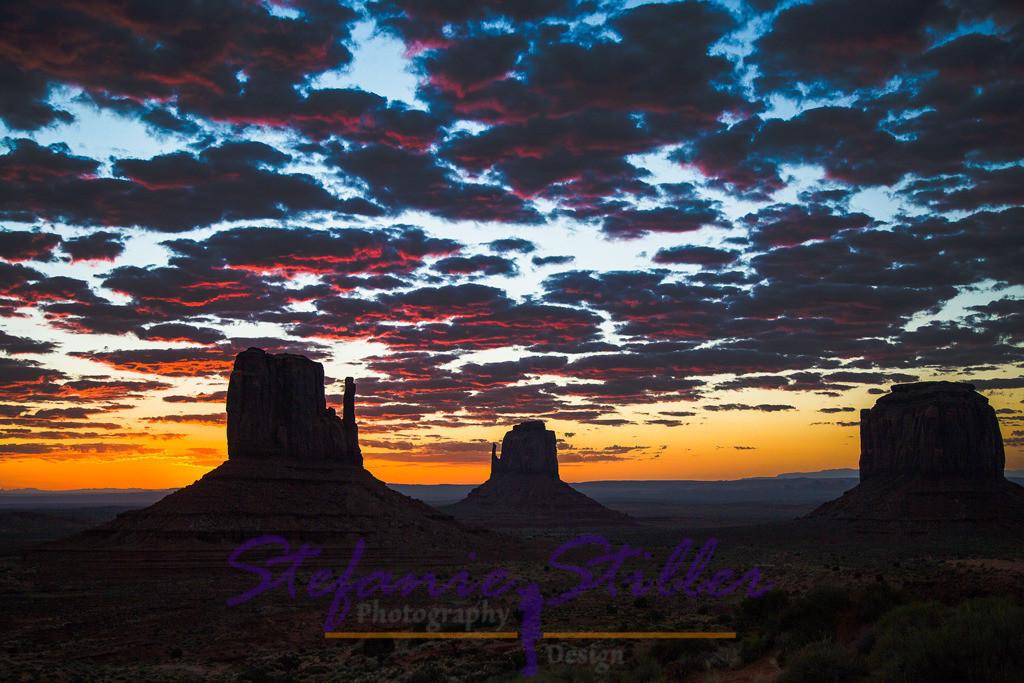 Sunrise Monument Valley | Sonne und Sterne begegnen sich