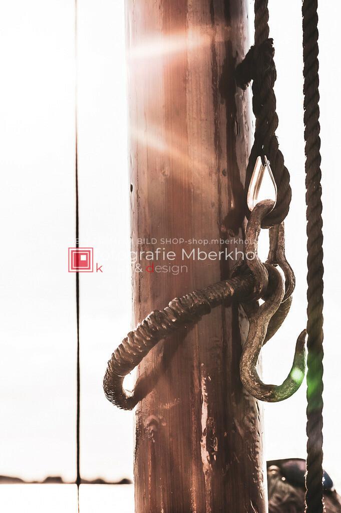 @Marko_Berkholz_mberkholz_MBE6712 | Die Bildergalerie Zeesenboot | Maritim | Segel des Warnemünder Fotografen Marko Berkholz zeigt maritime Aufnahmen historischer Segelschiffe, Details, Spiegelungen und Reflexionen.