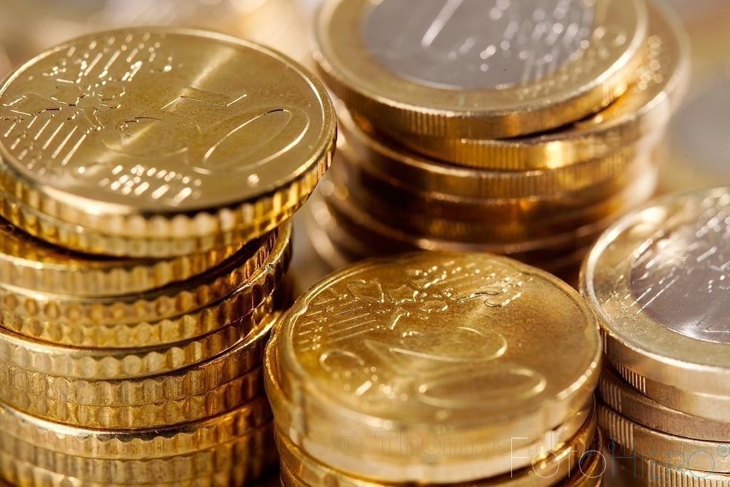 Euromünzen gestapelt | Gestapelte Euromünzen. 50 und 20 Cent sowie Ein Euro