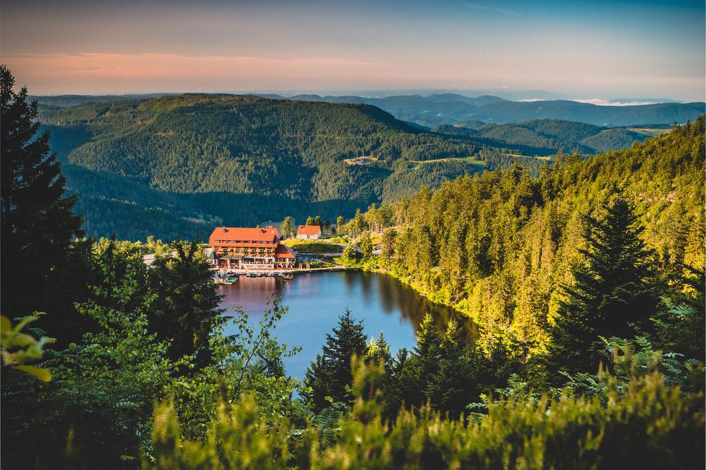 Mummelseeblick   Blick von der Hornisgrinde auf den Mummelsee im Nationalpark Schwarzwald