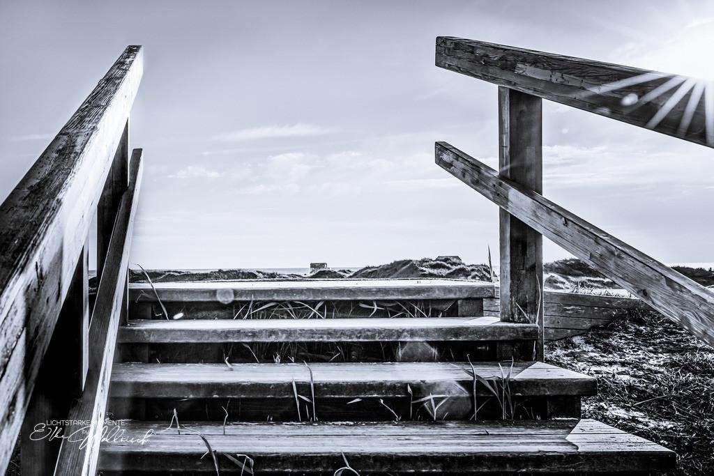 stairway to heaven in black & white   Sankt Peter-Ording