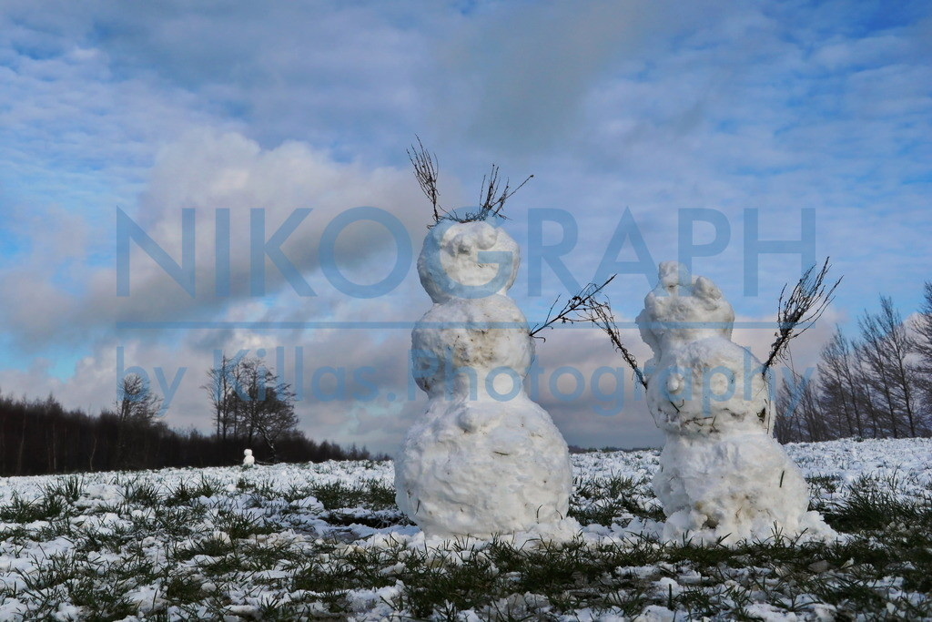 Schneemänner in Kesbern | Schneemänner auf den winterlichen Feldern des Iserlohner Stadteils Kesbern. Kesbern liegt im Norden Iserlohns und gehörte bis 1974 zum Amt Hemer.