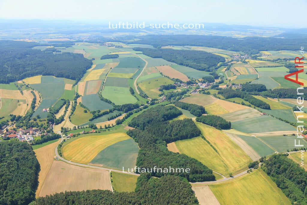 luftbild-markt-taschendorf-2015-4677   Luftbild von  Markt-taschendorf - Luftaufnahme wurde 2015 von https://frankenair.de mittels Flugzeug (keine Drohne) erstellt - die Geschenkidee