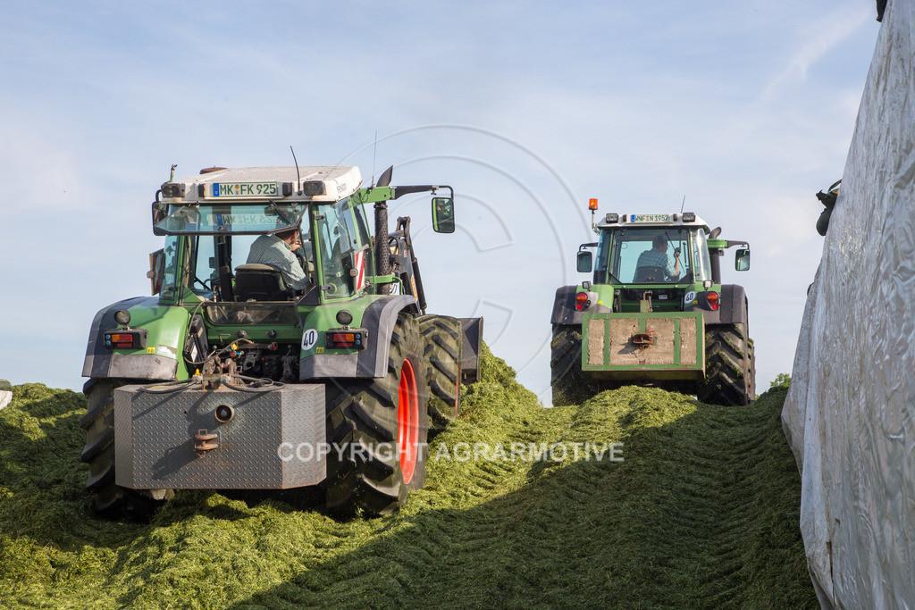 20150511-IMG_1572 | Gras silieren - AGRARMOTIVE Bilder aus der Landwirtschaft