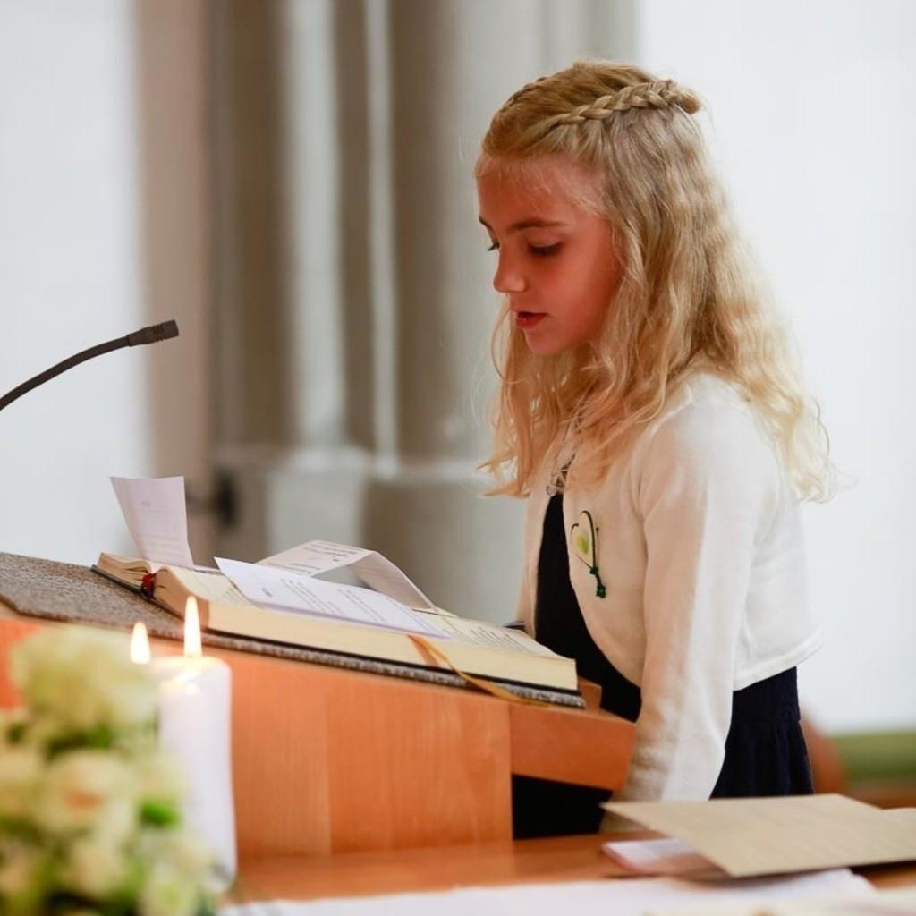 Carina_Florian zu Hause_Kirche WeSt-photographs02087