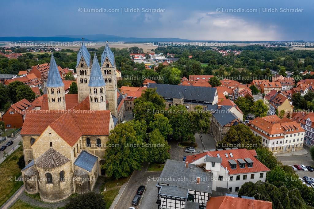 10049-50712 - Gewitterstimmung über Halberstadt