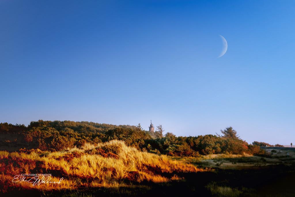 increasing moon meets Leuchtturm | Böhler Leuchtturm @ Sankt Peter-Böhl