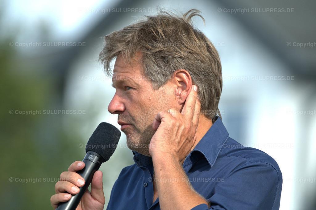 Robert Habeck - Wahlkampfauftritt in Schleswig   Schleswig, Robert Habeck, Bundesvorsitzender von Bündnis 90/Die Grünen und Direktkandidat für den Wahlkreis Schleswig - Flensburg mit dem Motto