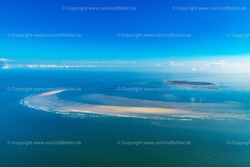 Cuxhaven_Hamburger_Wattenmeer_Scharhörnriff_ELS_2595300820 | NIGEHöRN 30.08.2020 Wattenmeer Sandbänke vor der Nordseeküste von Cuxhaven, Riff auf Bau im Hamburger Wattenmeer vor Nigehörn und Scharhörn im Bundesland Hamburg, Deutschland. // Wadden Sea sandbanks off the North Sea coast of Cuxhaven, reef on construction in the Hamburg Wadden Sea in front of Nigehoern and Scharhoern in the state Hamburg, Germany. Foto: Martin Elsen
