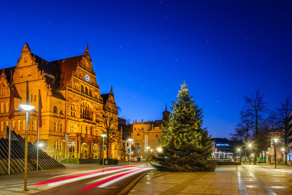 Weihnachtsbaum vor dem Bielefelder Rathaus | Weihnachtsbaum vor dem Rathaus in Bielefeld.