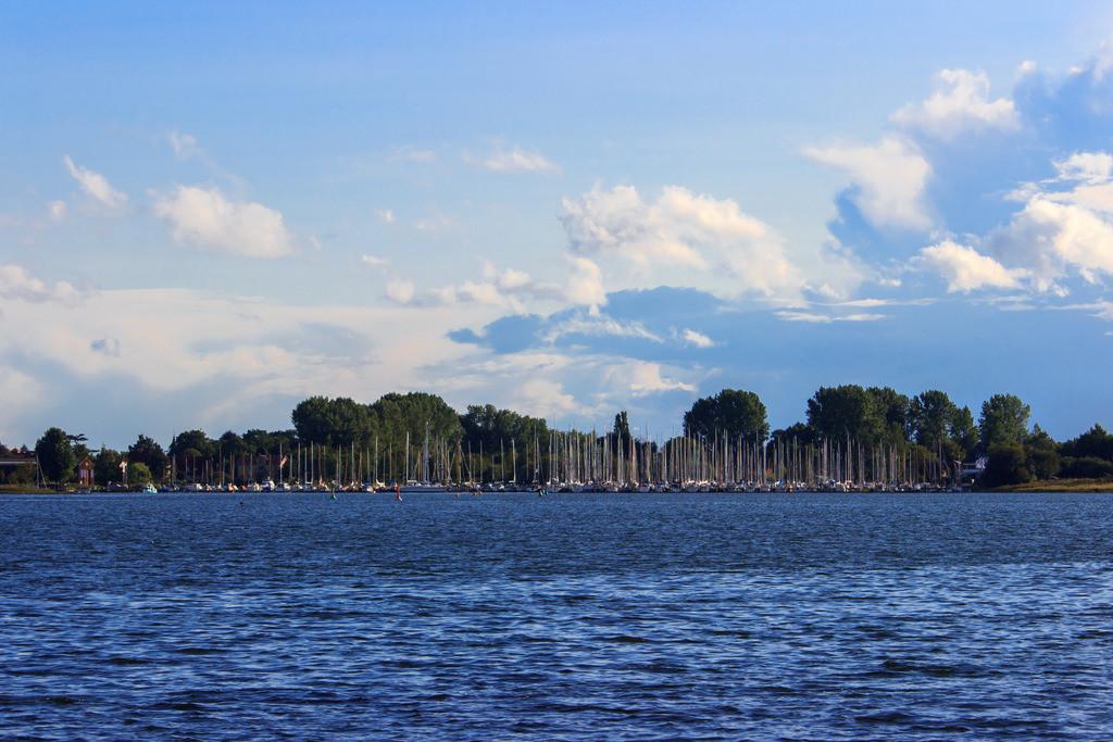 Arnis an der Schlei   Blick von Kopperby auf den Yachthafen in Arnis