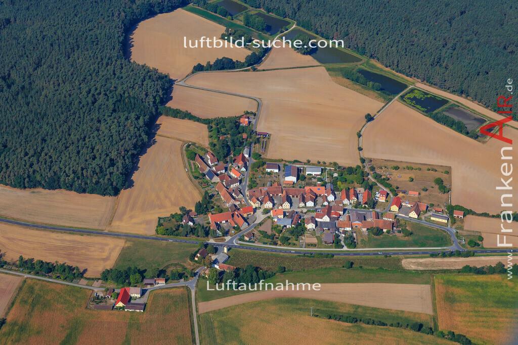 tragelhoechstadt-uehlfeld-2016-283   Luftbild von Tragelhoechstadt Uehlfeld - Luftaufnahme wurde 2016 von https://frankenair.de mittels Flugzeug (keine Drohne) erstellt - die Geschenkidee