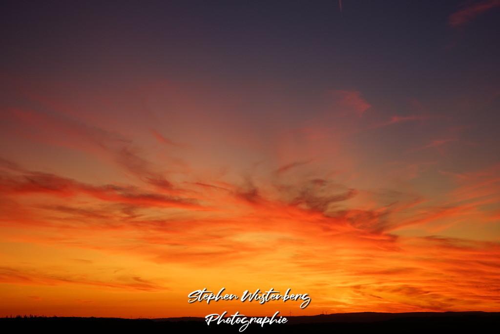 Sunset Schönborn | Sonnenuntergnag mit phantastischen Farben bei Schönborn