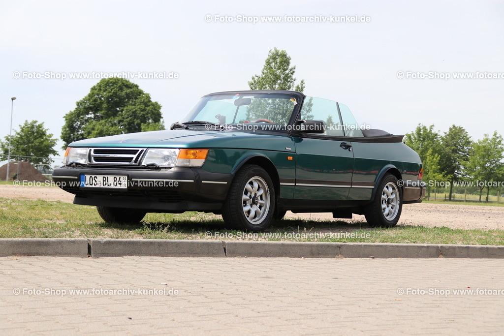 Saab 900 Turbo 16 S Cabrio 2 Türen (900 I), 1991-94 | Saab 900 Turbo 16 S Cabrio 2 Türen, Farbe: Grün, Bauzeit: 1991-94, Saab 900 Serie I, Herstellerland: Schweden, 4-Zylinder-Reihenmotor, DOHC, Turbolader, 16 V, elektronische Benzineinspritzung, Hubraum: 1985 cm³, Leistung 141 PS, Frontantrieb, 5+1 Gänge, Leergewicht: 1310 kg, Vmax. 190 km/h, 0-100 km/h in 11,0 s
