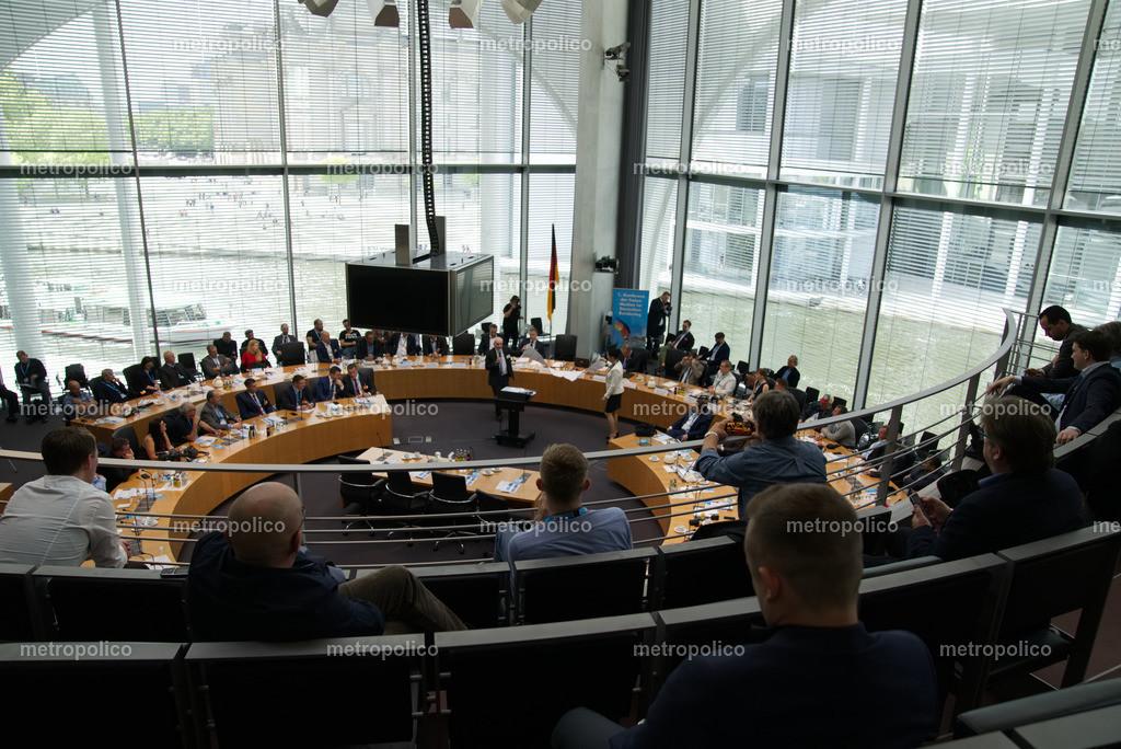 Medienkonferenz Bundestag Plenum Saal freie alternative Medien bei der AfD Fraktion am 10. Mai 2019 im Bundestag (8)