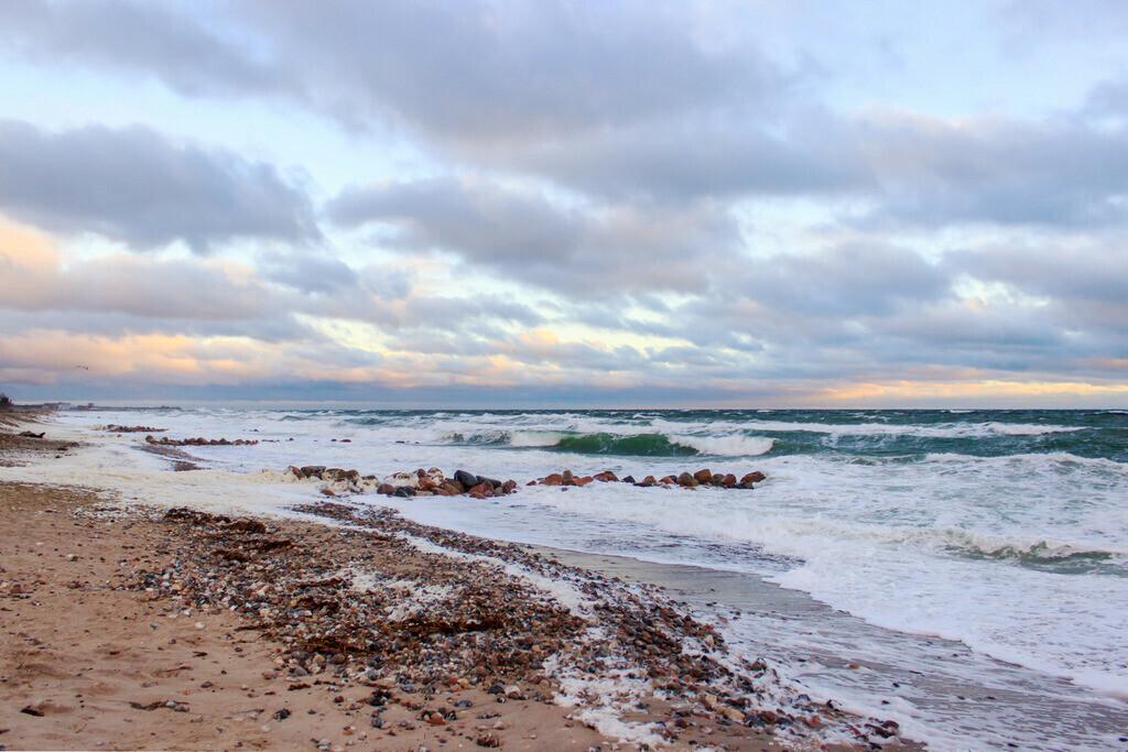 Strand in Damp   Wellen am Fischlegerstrand in Damp