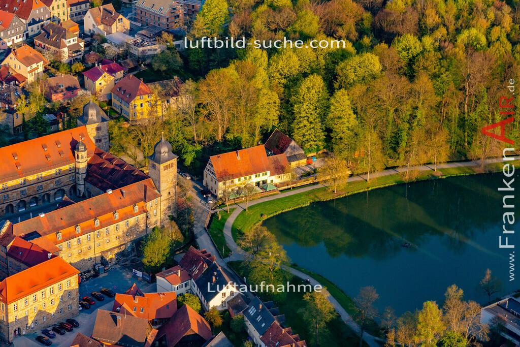 schloss-thurnau-18-213   aktuelles Luftbild von Schloss Thurnau - Luftaufnahme wurde 2018 von https://frankenair.de mittels Flugzeug (keine Drohne) erstellt.
