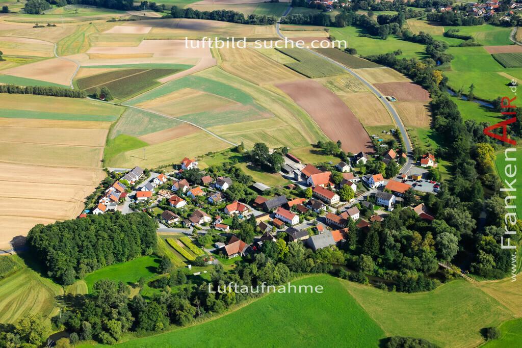 oberzettlitz-kulmbach-2011-17 | Luftbild von Oberzettlitz Kulmbach - Luftaufnahme wurde 2011 von https://frankenair.de mittels Flugzeug (keine Drohne) erstellt - die Geschenkidee