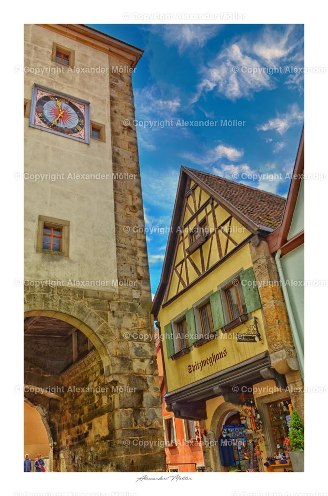 Rothenburg ob der Tauber No.1   Dieses Werk zeigt das direkt am Siebersturm um etwa 1385 erbaute Spitzweghaus, es wurde nach dem Gewerbe der Mehlsiebmacher benannt und liegt in der Nähe vom Plönlein, dem Wahrzeichen der Stadt Rothenburg o.d.T.