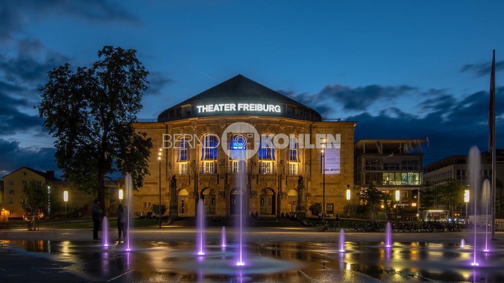 Theater Freiburg | Theater Freiburg, Platz der alten Synagoge - Abendstimmung
