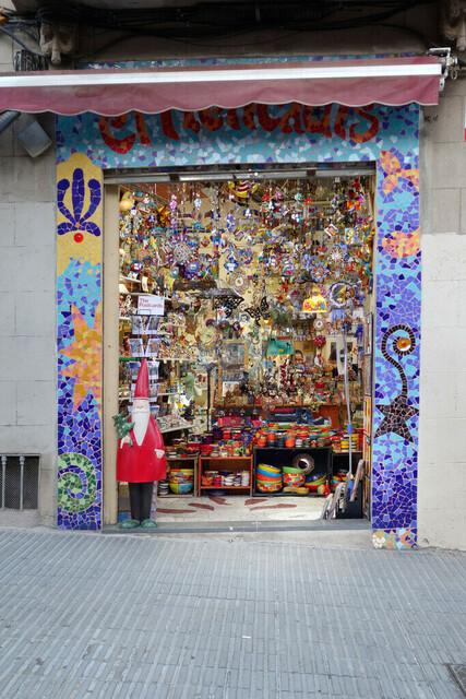 Andenkenladen am Park Güell  | ESP, Spanien, Barcelona, 16.12.2018, Andenkenladen am Park Güell  [2018 Jahr Christoph Hermann]