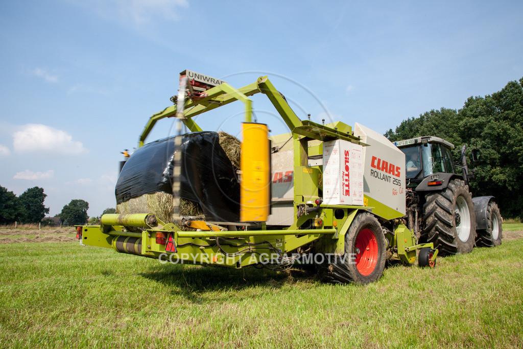 IMG_7870_080108_110043   Rundballenpresse mit Wickler für Grassilage - AGRARMOTIVE