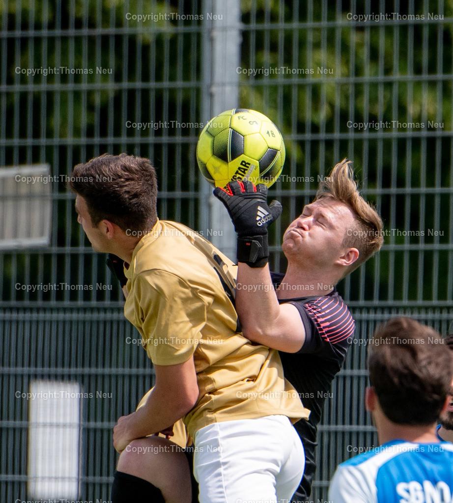 DSC_1332   lsp Fußball FC 07 Bensheim II - Nordheim/Wattenheim, Yannick Herrmann und Torwart  Pascal Metz, ,, Bild: Thomas Neu