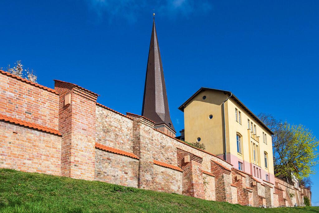 Blick auf die Petrikirche in der Hansestadt Rostock   Blick auf die Petrikirche in der Hansestadt Rostock.