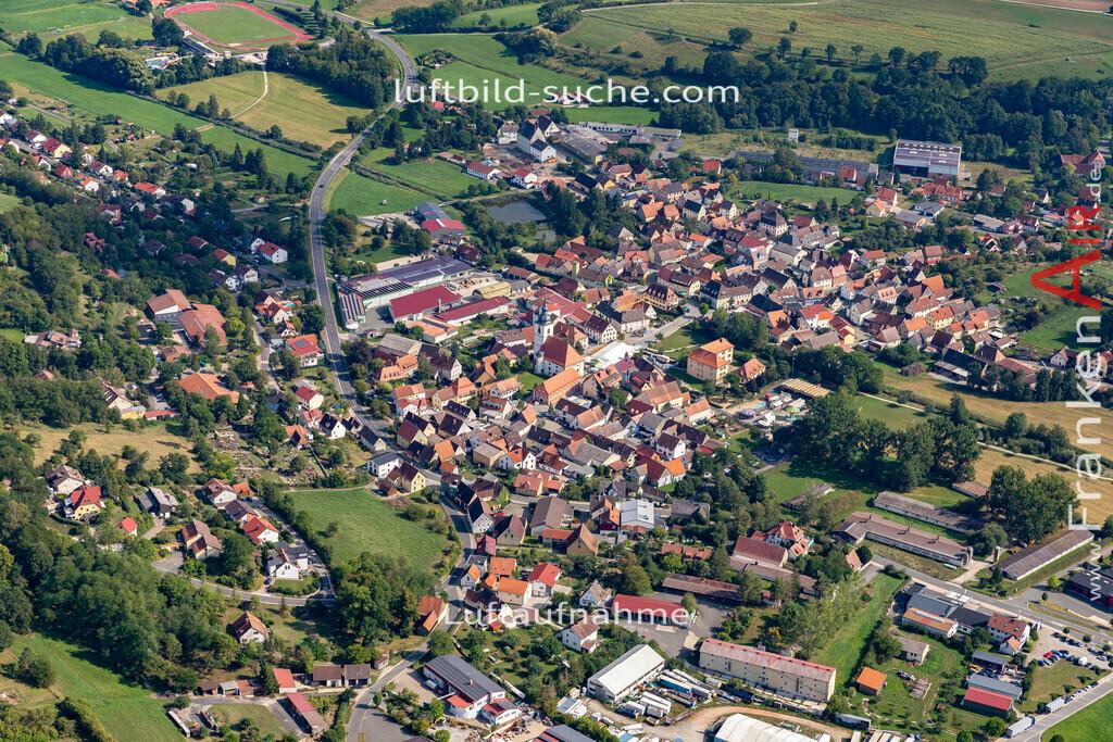 burghaslach-19-782 | aktuelles Luftbild von  Burghaslach - Luftaufnahme wurde 2019 von https://frankenair.de mittels Flugzeug (keine Drohne) erstellt.