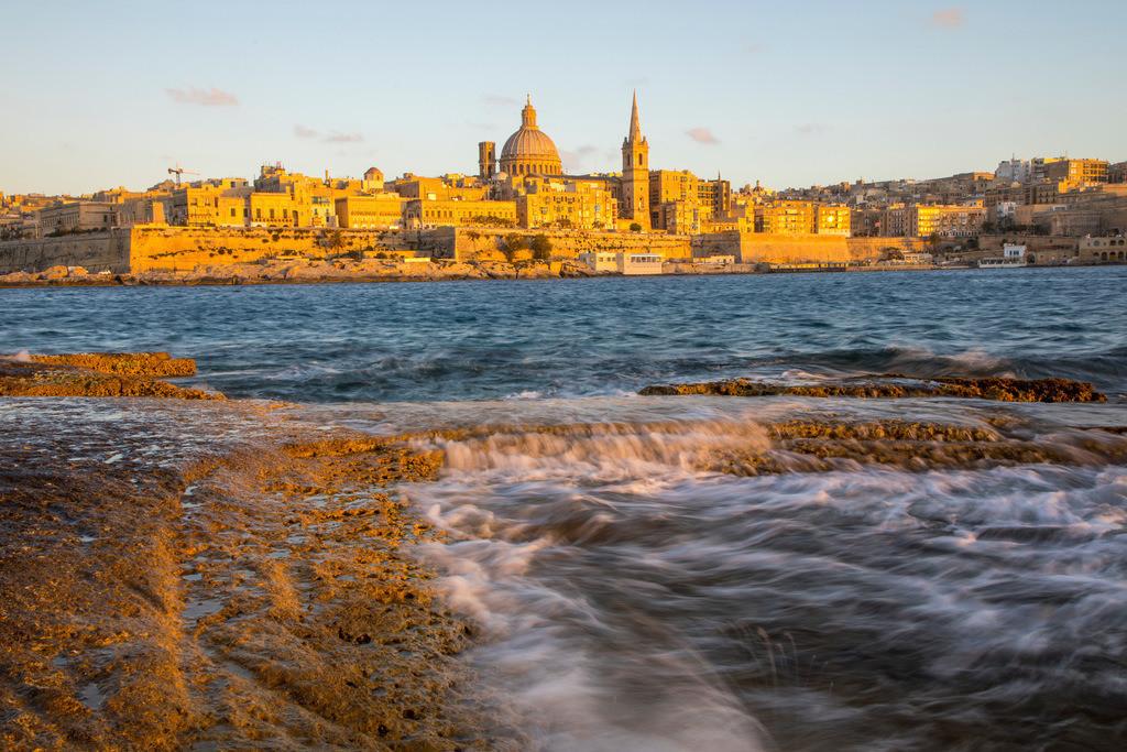 JT-170508-052 | Skyline von Valetta, der Hauptstadt von Malta, Kuppel der Karmeliter Kirche und Kirchturm der St. Paul's Anglican Pro-Cathedral Kirche,