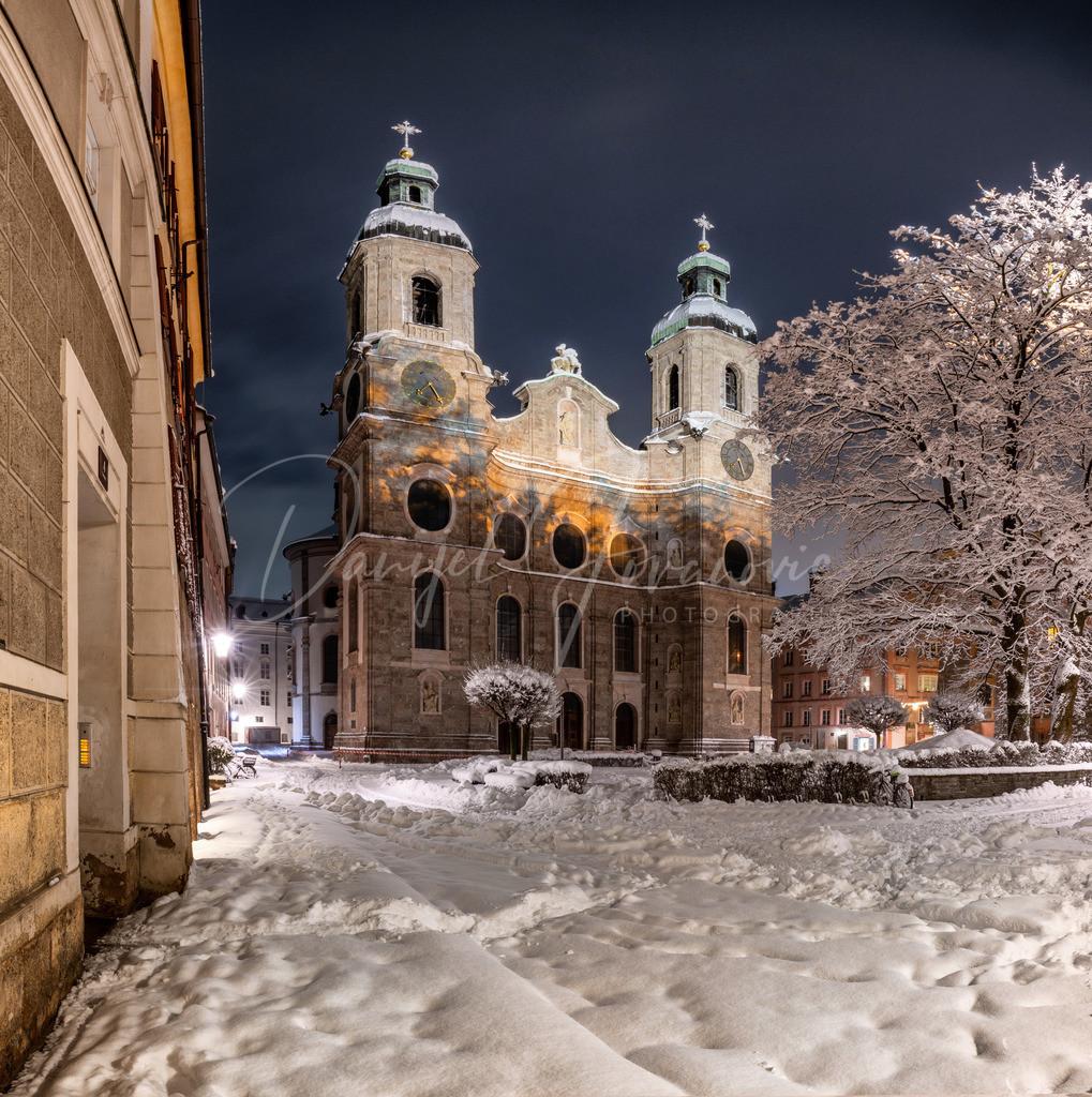 Dom   Schnee am Domplatz
